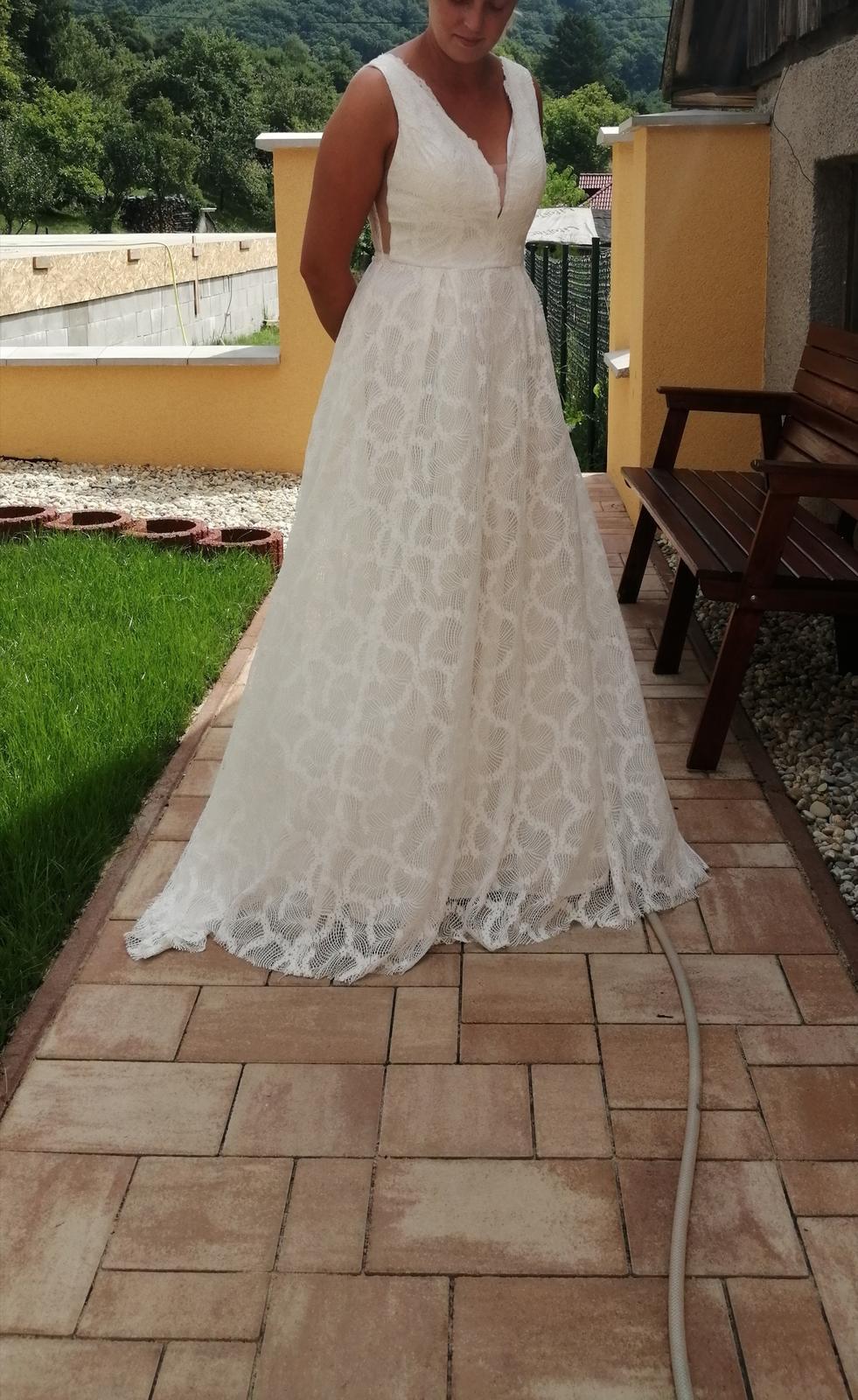 Popolnočné / svadobné šaty - Obrázok č. 1