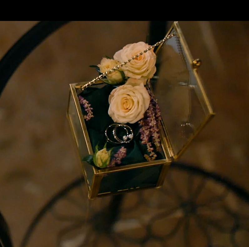Zlatá krabička na prstýnky - Obrázek č. 1