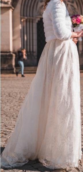 Svatební šaty krajkové - Obrázek č. 1