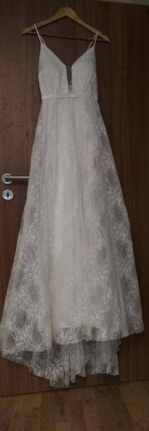 Svatební šaty krajkové - Obrázek č. 2