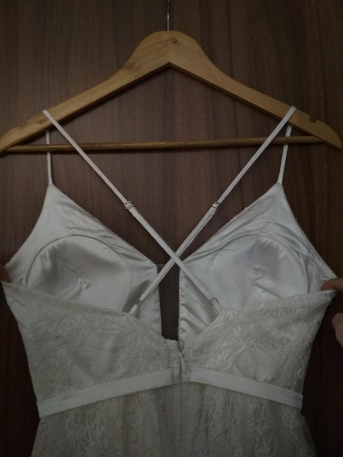 Svatební šaty krajkové - Obrázek č. 3