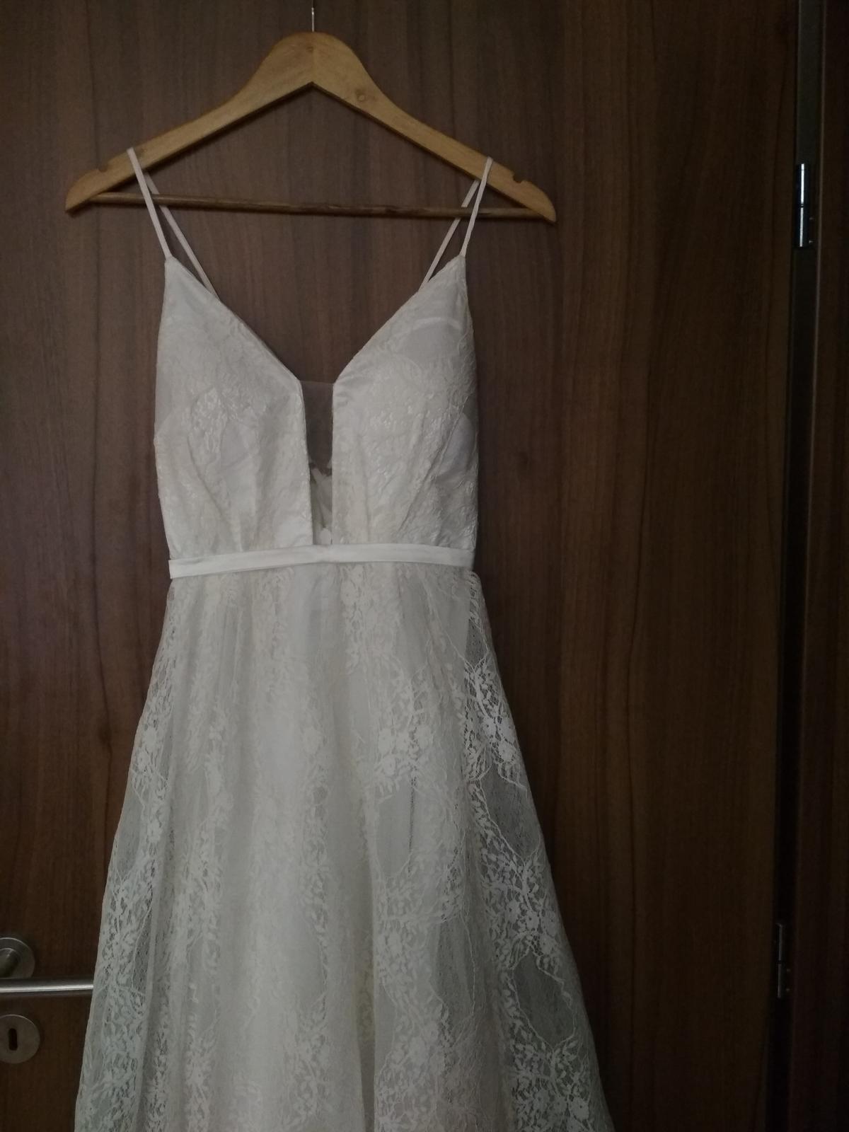 Svatební šaty krajkové - Obrázek č. 4