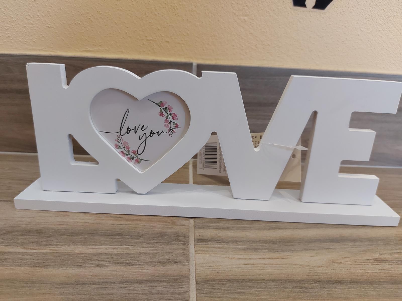 Drevený nápis LOVE - Obrázok č. 1