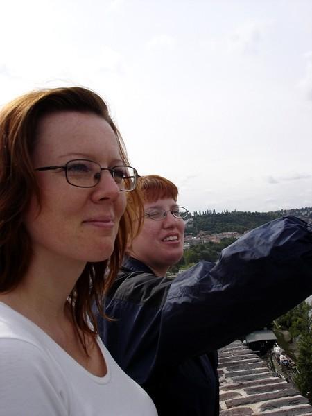 Zraz 12.8.06 Praha 1-medzinarodny - Sustredeny sprievodca a pozorny posluchac