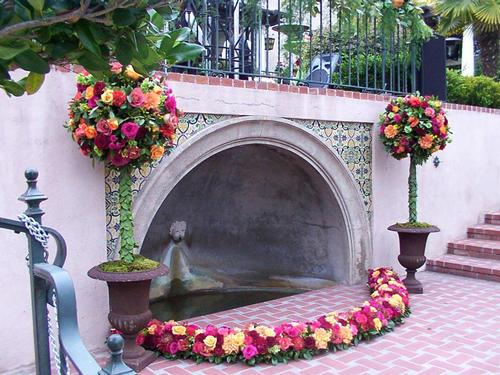 14.7.2006 - podobná kašna je na místě naší  svatby také