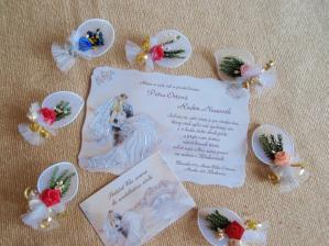 naše oznámení,pozvánky ke sv. stolu a něco do klopy