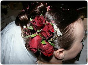 kytičky ve vlasech... nádhera....