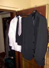 a máme oblek!