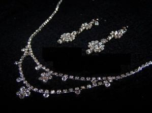 a už mám i náhrdelník do sady ;o)