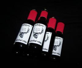 vínečka pro muže - ještě stále bojuju s těmi červenými kroužky, pořád se mi rozlepujou, ůůůů....