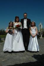 s hlavními družičkami Barčou a Kristýnkou