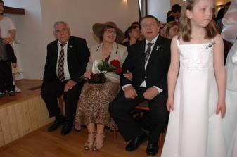napjatí rodiče a dědeček nevěsty ;o)