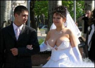 svadobne saty by som chcela isto biele, ale nie ako su tieto :)