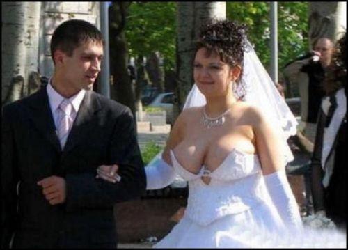 Rozpravkovo - svadobne saty by som chcela isto biele, ale nie ako su tieto :)