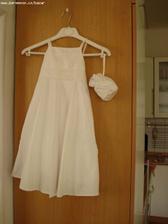 šaty pro menší družičku (snad jsou ještě k dispozici)
