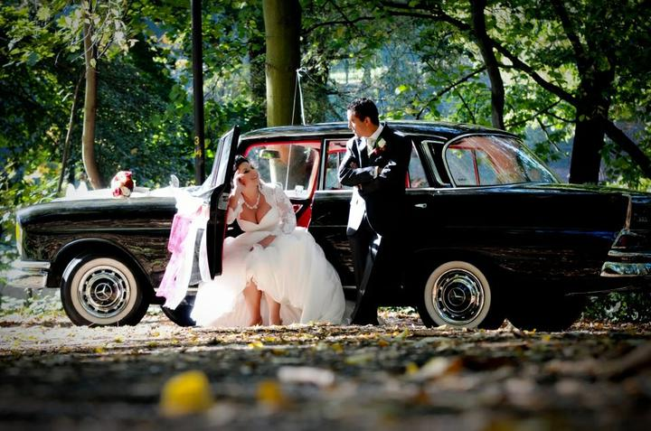 """Ivana{{_AND_}}Milad - """"naše"""" super autíčko.Byl to opravdu fešák - Mercedes z r.1964"""