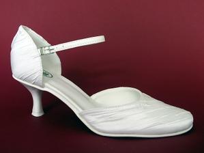 Moje svadobné topánky :-)