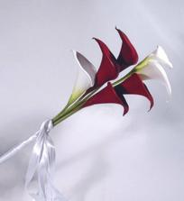 Taková podobná kytice bude, jenom ještě přizdobená.