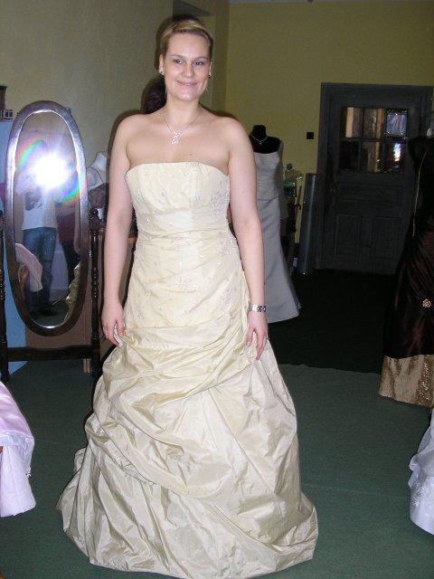 Petko a Lucka 19.5.2OO7 - moje šaty len budú v bielom