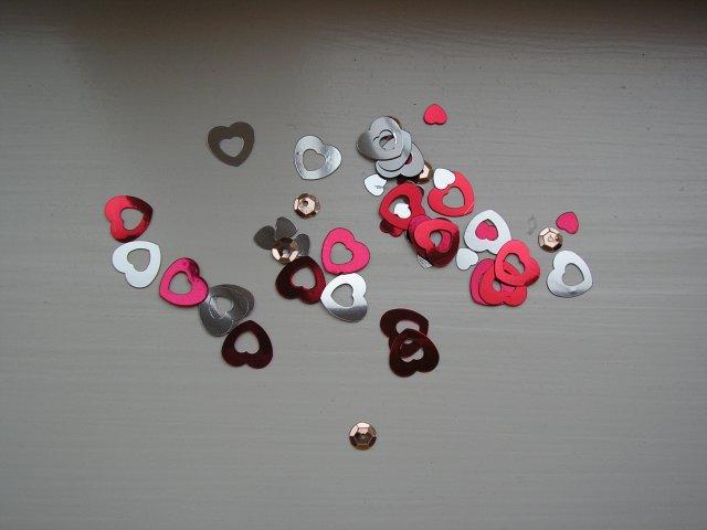 Petko a Lucka 19.5.2OO7 - konfety na stoly