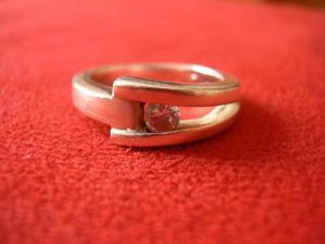Tak to je můj zásnubní prstýnek!!!