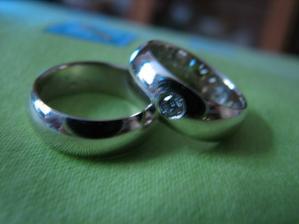 Snubní prstýnky už máme doma!!
