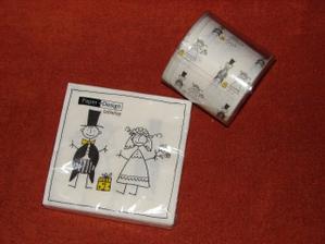 Tyto ubrousky jsou na doma na stůl, kde bude raut pro hosty + nezbytný toaletní papír :o)