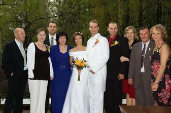 S rodiči, svědky a jejich partnery