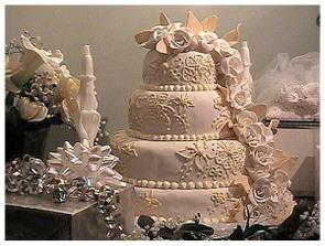 Toto je nasa prva torta . no nie je andherna ako z rozpravky ze? :)