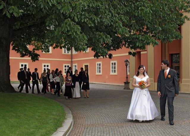 Andrejka{{_AND_}}Honzík Vančura - čekání před obřadem