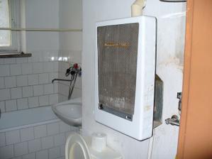 krásna stará kúpelňa