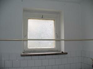 okno v kúpeľni príde zmenšiť