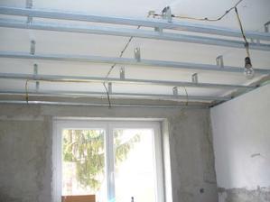elektrické rozvody na bodovky nad kuchyňou