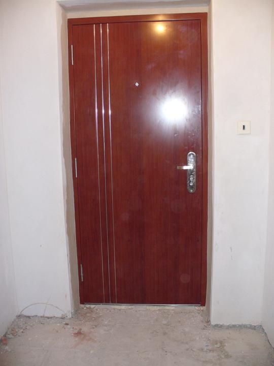 Náš bytík - prerábka - nové dvere- pohľad z vnútra