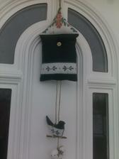 aj na vchodovych dverach je pekny :-)teda aspon mne sa tam paci