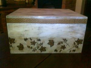 velka drevena krabica z Bazaru za 50 centov