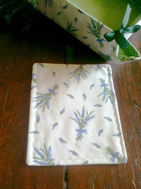 Moje hobby-bytove doplnky - levandulka je bledo fialkova :-)))na fotke je skor modra