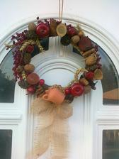 jesenny vencek z prirodnych materialov v cervenom:-)