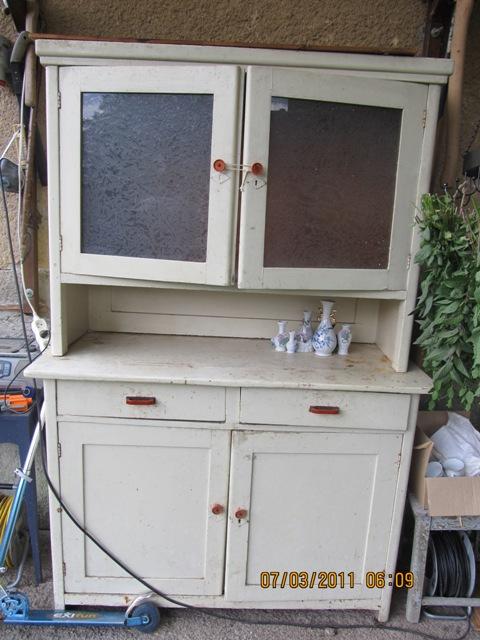Zo stareho nove :-))) - moj novy ulovok:-)od jednej zlatej Evky tu z MS:-)))caka na renovaciu