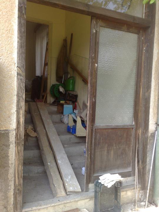 Na zaciatku prestavby - stary vchod do chalupy
