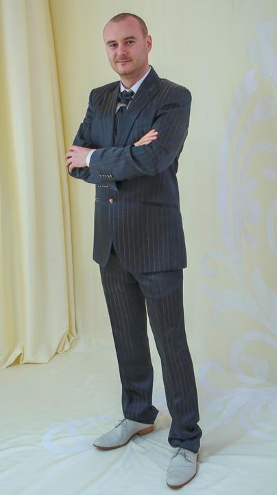 53f7a7a1baeb Pánske obleky - Kompletnú ponuku našich šiat a oblekov nájdete na ...