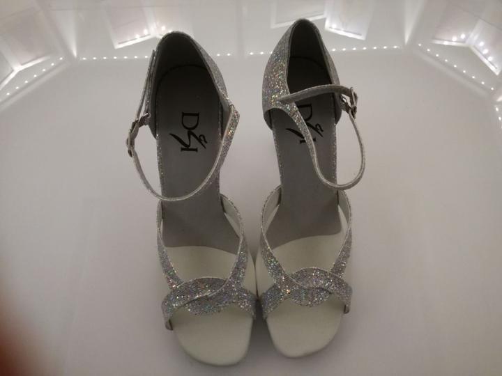 6717f7648ab9 Tanečné topánky - Ponúkame pohodlné tanečné topánky. Farbu topánky ...