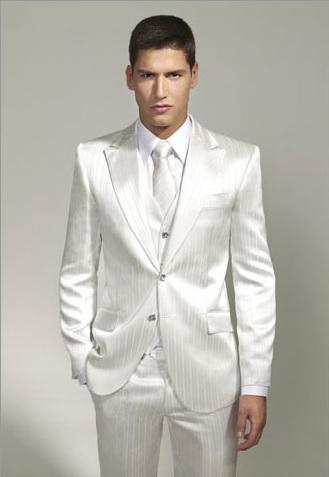 5a472e7debe5 Pánske obleky - Biely oblek španielskej značky Javier Arnaiz ...