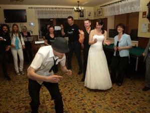 taneční vystoupení bratránka :-) alias M.Jacksna :-)