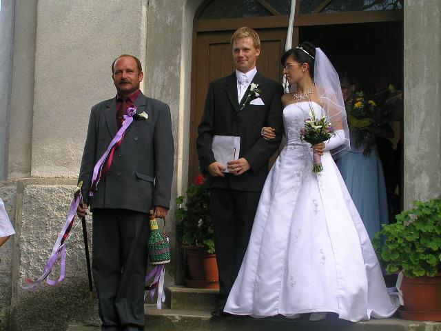 Lucka{{_AND_}}Paťko - vonku už ako manželia