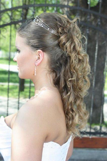 Sylvia & Tomáš - to bude svadbička - Nakoniec sa podaril takto - nezohnala som pramene vlasov v mojej farbe, tak bol uces bez nich