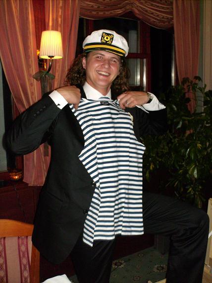 Sylvia Krchňavá{{_AND_}}Tomáš Koporec - Darčeky - kamaráti sa tiež držali tematiky a dostali sme námornícke dary.