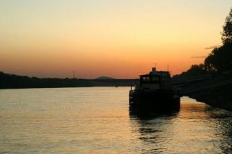 A takto to vyzeralo na našej lodičke, keď zapadalo slnko