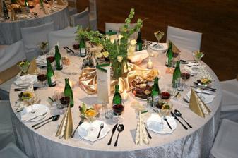 Výzdoba stolov pre hostí