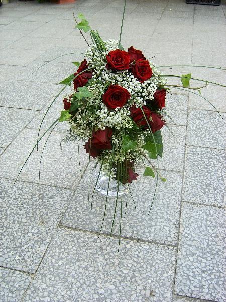 Cervena svatba 8. cervna 2006 - Tahle sedne barvou.. jen mene zeleneho.